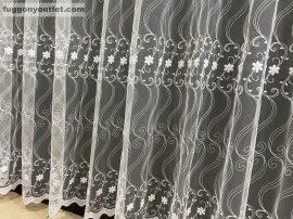 Kesz függöny (sorbaaprovirag5) fehér alapon fehér színű 500 cm szeles 260 cm magas