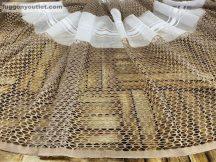 Készre vartt függöny 300cm szeles 250cm magas alulcsikos féher barna színű