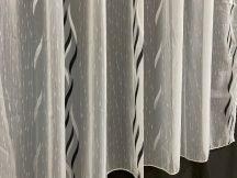 Készre vartt függöny 300cm szeles 160cm magas lenesvoile fehér fekete színű 5716
