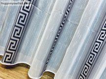 Készre vartt függöny 300cm szeles 180cm magas görögmintas fehér fekete színű