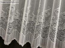 Készre vartt függöny csiklenbik fehér színű  300cm szeles 155cm magas