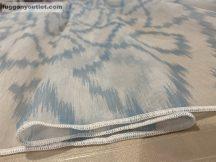 függöny készre vart (Rombusz) Fehér alapon kék színű 300cm szeles 260cm magas