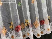 Kesz függöny (csikos) fehér alap színű 500 cm szeles 160 cm magas