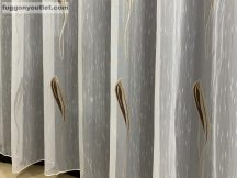 függöny készre vart (1220barna4)Fehér alapon barna  400 cm szeles 260cm magas