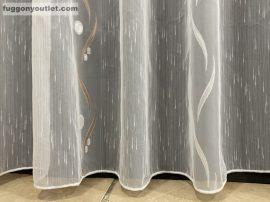 Készre vartt függöny 300cm szeles 210cm magas Lenesvoile fehér alapon barna  színű