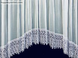 Csipkes kesz függöny panaromas sima voál féher színű 400 cm szeles 175 cm magas(30 cm feher csipke)