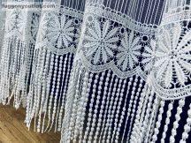 Csipkes kesz függöny (30 cm fehèr csipke) macaron fehèr színű 300 cm szeles 180 cm magas