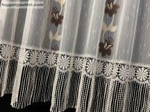 Csipkes kesz függöny (krem 30 cm csipke)krem barna színű 300 cm szeles 180 cm magas