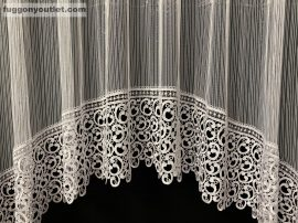 Csipkes kesz függöny 30 cm fehèr csipke-panaromas macaron fehèr színű 300cm szeles 180 cm magas