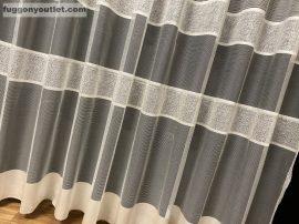 Készre vartt függöny bordasos krem színű 300cm szeles 280cm magas