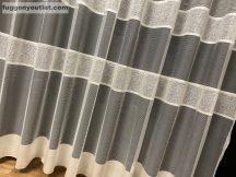Készre vartt függöny bordasos krem színű 300cm szeles 250cm magas