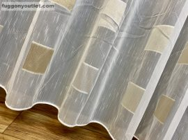 Kesz függöny ( koszkakrem3) krem alapon ezust arany színű 300 cm szeles 260 cm magas