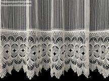 Csipkes kesz függöny 30 cm fehèr csipke-macaron fehèr színű 300cm szeles 170 cm magas