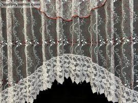 Csipkes kesz függöny panaromas himzet papatya fehèr  bordo színű 350 cm szeles 145cm magas