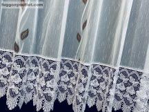 Csipkes kesz függöny (30 cm fehèr rozsa csipke) fehèr alapon barna szinű 300 cm szeles 175 cm magas