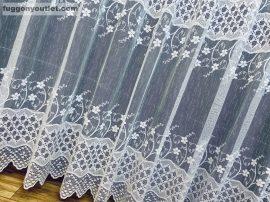 Készre vart függöny rombusz fehér színű 300 cm szeles 200cm magas