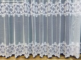 Készre vartt függöny csillagsor fehér színű 500cm szeles 250cm magas