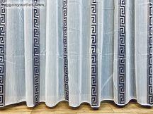 Készre vartt függöny 300cm szeles 200cm magas Lenesvoile fehér alapon fekete színű