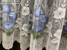 Készre vartt függöny 300cm szeles 250cm magas virágos fehér kék színű