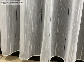 Függöny készre vart 4711-fekete4 voal fehér alapon fekete színű 400cm szeles 260 cm magas