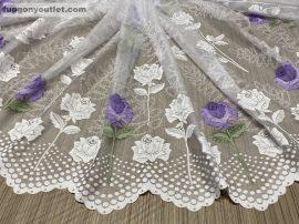 Készre vartt függöny ROZSASZAL féher lila színű 300cm szeles 180cm magas