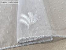 Függöny készre vart (5085feher4 ) lenn  voal fehér alapon fehér színű 400cm szeles 260 cm magas
