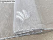 Függöny készre vart (5085feher5 ) lenn  voal fehér alapon fehér színű 500cm szeles 260 cm magas